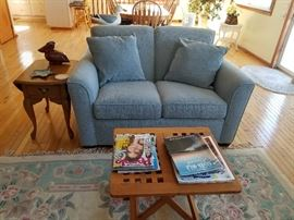 Loveseat & matching sofa available; made by Flexsteel