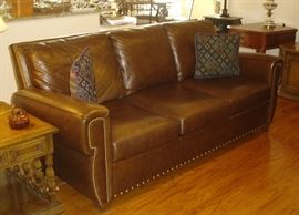 Elite Denver leather sofa - like new!