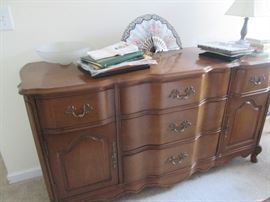 Buffet that goes w dining table and china cabinet