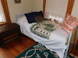Antique Day Bed Folds Down for Storage