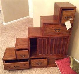 Antique step chest i