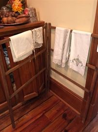 hand towel drying rack