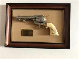 John Wayne Western Colt 45 Single Action Non-Firing Replica
