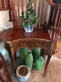 Fine wood console table