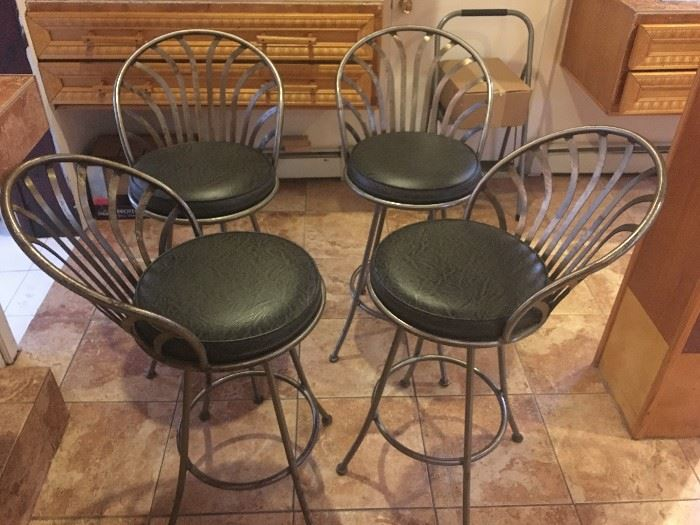 Set of 4 bar height pewter cushioned chairs. Perfect for that kitchen island!