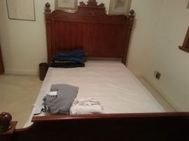 beautiful queen size bed with box spring