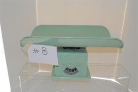 Baby scale  http://www.ctonlineauctions.com/detail.asp?id=685750