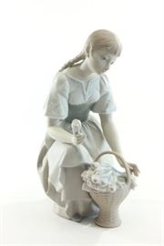 Lot 9: Lladro Porcelain Young Girl with Basket of Flowers