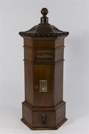 Lot 25: Wooden Post Box