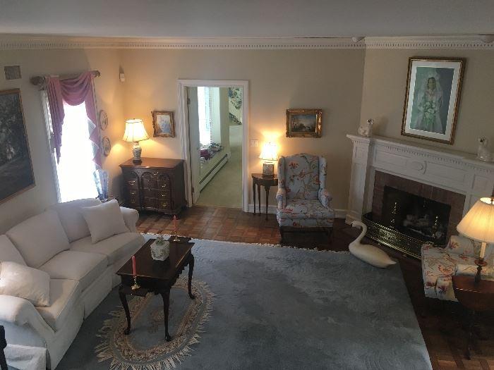 Lovely Living room & Bedroom furniture
