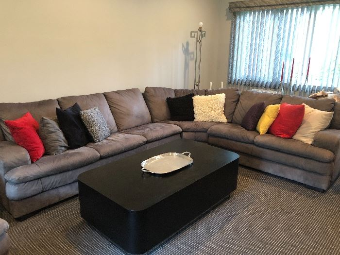 Contemporary sectional sofa & coffee table