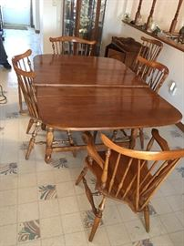 Moosehead dining set including table, one leaf,  5 chairs