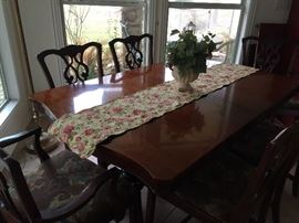 Ethan Allen dining table, 6 chairs, 1 leaf