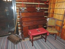 ANTIQUE ORGAN, BUY IT NOW, $490.00 OR ALL OFFERS CONSIDERED.