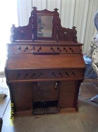 A&E Humphreys organ