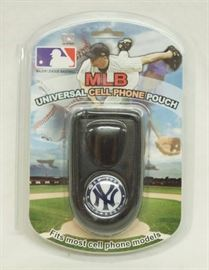 Universal Cell Flip Phone Pouch - MLB NEW YORK YAN ...