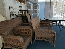 7 piece Whicker Patio Set