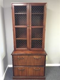 Nice 2 Drawer File Cabinet/Hutch with keys