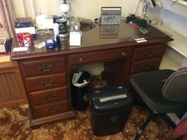 Office desk  Asking $125