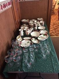 Franciscan Apple pattern china & glassware  Asking $275 for all 100+ piees
