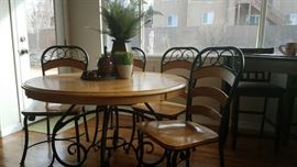 Round Oak Top Table with 4 Chairs