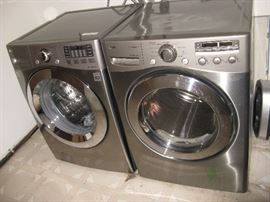 LG ELECTRONICS FRONT LOAD WASHER & DRYER- THERE IS 1 PEDESTAL