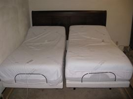 KING OR 2 TWIN XL (38 X 80 L) SLEEP NUMBER TECHNOLOGY BEDS - SOLD INDIVIDUALLY - BOTH HAVE FLEXFIT ADJUSTABLE BASES FOR FOOT & HEAD LIFTS