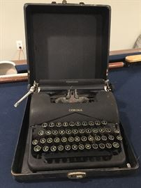 Vintage Smith Corona typewriter in case