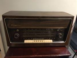 Grundig Majestic vintage tube radio