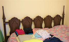 5 pc bedroom set (painted oak)