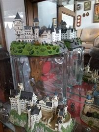 Collection of Danbury Mint castles and statues. Wide assortment in mint condition! Page 3