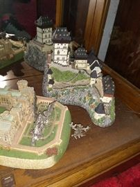 Collection of Danbury Mint castles and statues. Wide assortment in mint condition! Page 4