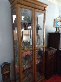 Beautiful curio cabinet. Excellent condition. $200