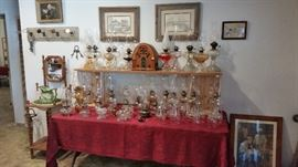 Nice collection of vintage & antique oil lamps.