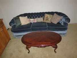 Sofa & Coffee table BroyHill