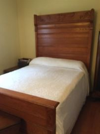 BEAUTIFUL  ANTIQUE OAK HIGH  HEADBOARD BED