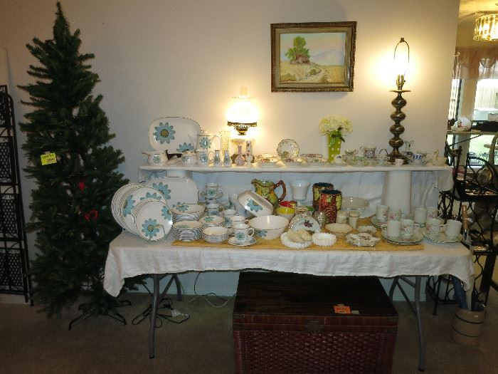 Mid Century Modern China, Collectibles, Christmas Tree, Oil On Canvas And More!
