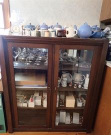 2 GLASS DOOR CURIO WOOD SHELVES