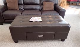 LEATHER STORAGE OTTOMAN TUFTED TOP