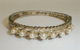 Sterling & pearl hinged bangle