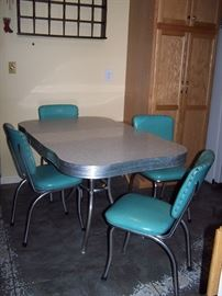 1950's Vintage Formica Table and Vinyl ChairsDining set