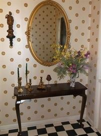 Entry table and oval mirror