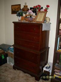 5 Drawer Chest dresser