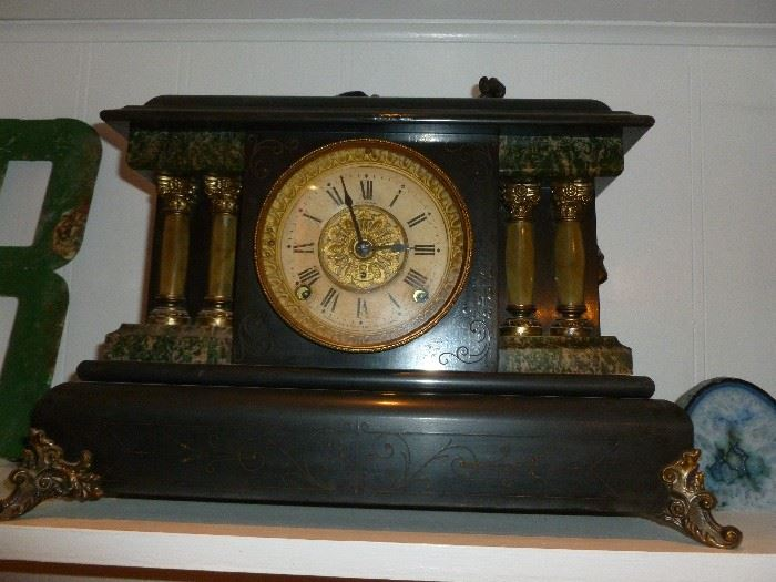 Seth Thomas Mantle Clock..works!