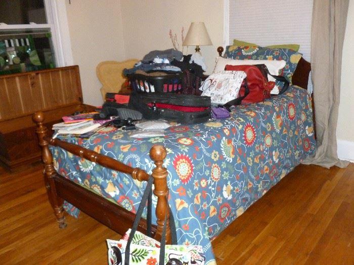 Twin Bed (no mattress)