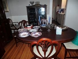 Duncan Phyfe dining room set, table has leaves