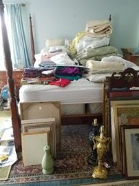 Vintage Four Poster Bed. Queen Mattress/Box Spring. Lots of Linens. Carpets.