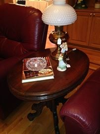 Oval antique side table; 2 great recliners