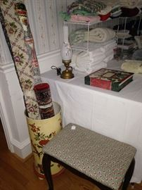 Vanity bench and linens