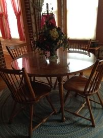 Maple round breakfast table & 4 chairs